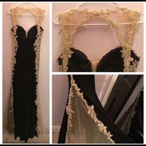 Beautiful black and gold ladies dress sz 10